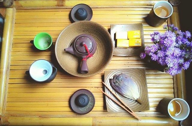 Phong vị chén trà Huế xưa